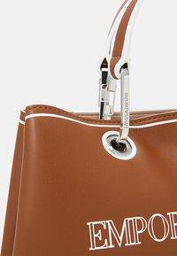 Emporio Armani - MYEA SIMILNAP LOGO SET - Handbag - tobac/lemon/white - 5