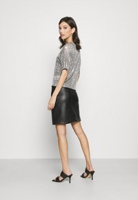 Gina Tricot - RUDY SEQUINS - Bluser - silver - 2