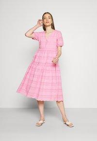 YAS - YASEVA MIDI DRESS - Day dress - pastel lavender - 1