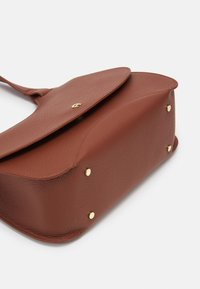 AIGNER - SELMA BAG - Handbag - cognac - 4