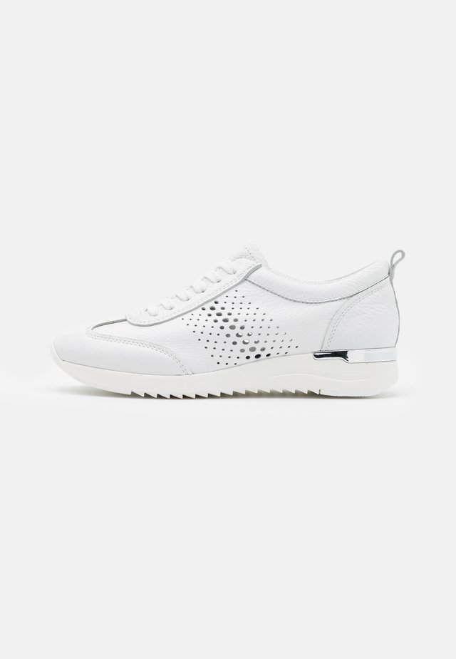 LACE UP - Sneakers laag - white