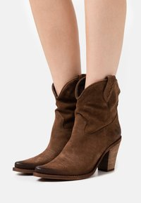 Felmini - STONES - High heeled ankle boots - marvin brown - 0