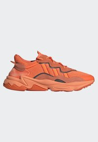 adidas Originals - OZWEEGO SHOES - Trainers - orange - 10