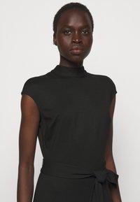 HUGO - DRESSELLA - Žerzejové šaty - black - 4