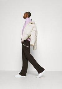 Marc O'Polo - PUFFER JACKET SHORT STAND UP COLLAR ZIPP - Down jacket - birch white - 3