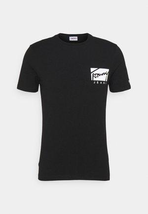 SCRIPT BOX LOGO TEE - T-shirt med print - black