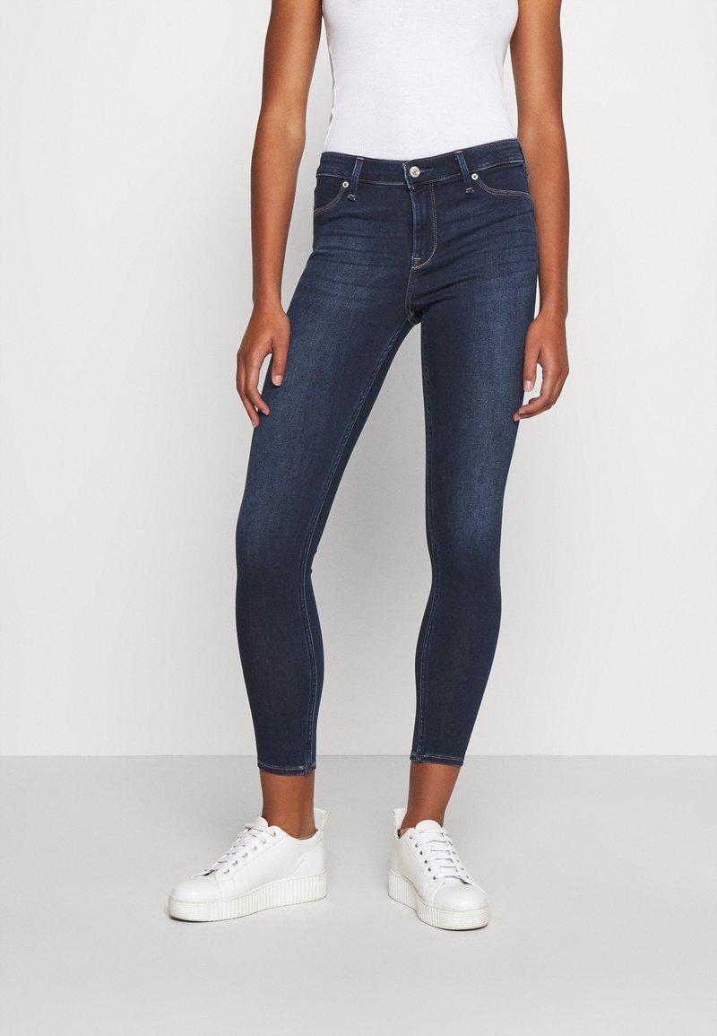 Abercrombie & Fitch - DARK CLEAN - Jeans Skinny Fit - indigo