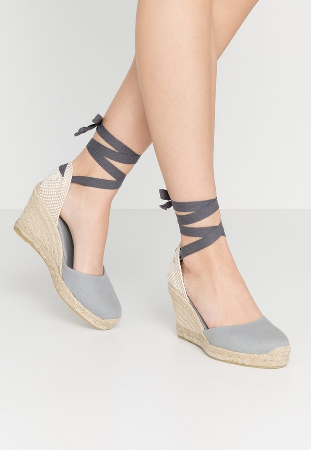 CLARA BY DAY - Sandalen met hoge hak - grey