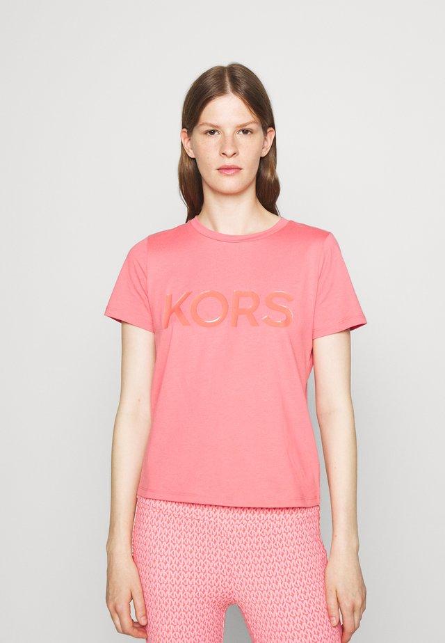 TONAL BABY - Print T-shirt - tea rose