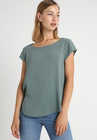 ONLY - ONLVIC SOLID  - Camiseta estampada - balsam green - 0