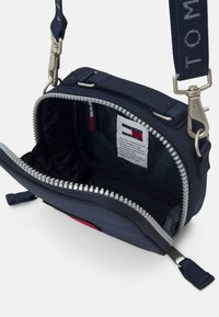 Tommy Jeans - HERITAGE CROSSOVER - Across body bag - blue - 2