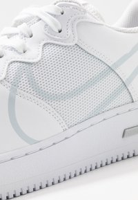 Nike Sportswear - AIR FORCE 1 REACT - Sneakers - white/pure platinum - 5