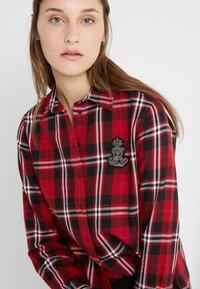 Lauren Ralph Lauren - CLASSIC CREST - Camisa - red/black - 5