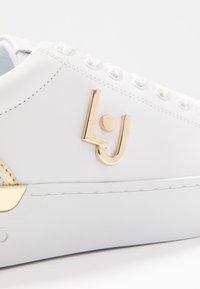 Liu Jo Jeans - SILVIA - Sneakers laag - white - 2
