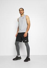 Nike Performance - WARM - Collants - iron grey/black - 1