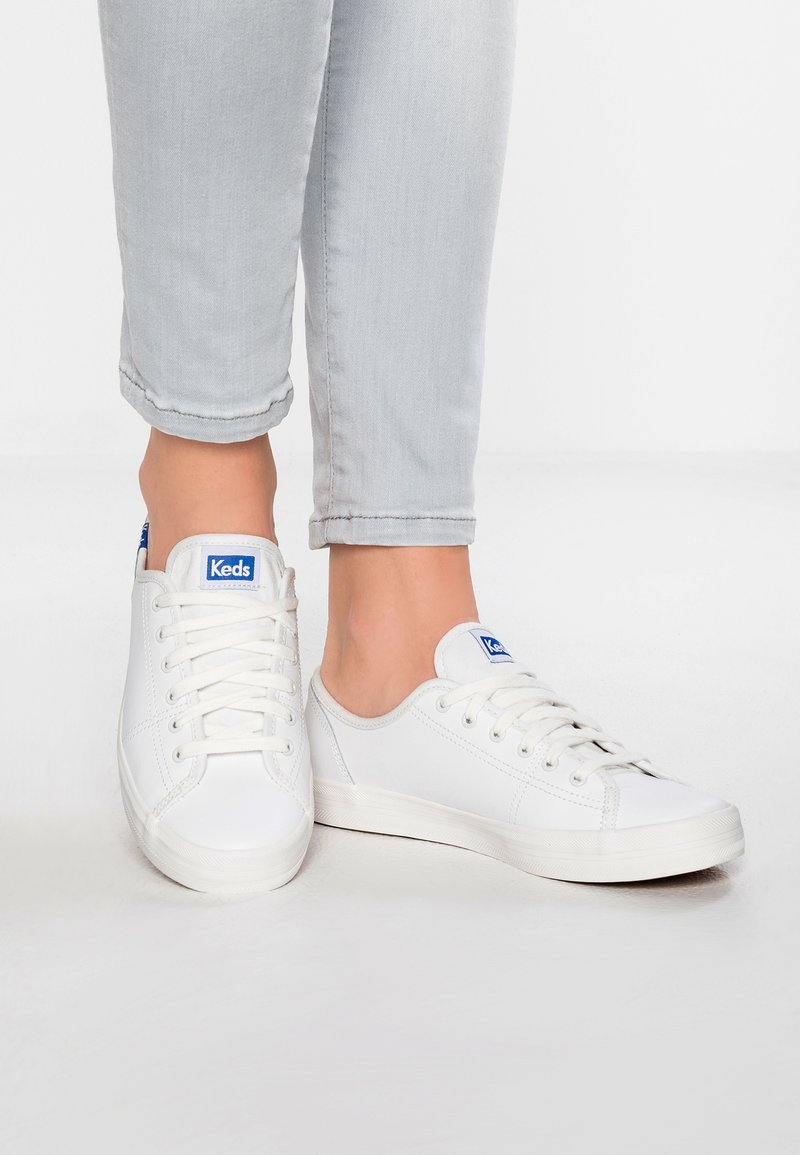 Keds - KICKSTART LEATHER - Sneakersy niskie - white/blue