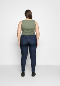 Vero Moda Curve - VMLORAEMILIE - Slim fit jeans - dark blue denim - 2