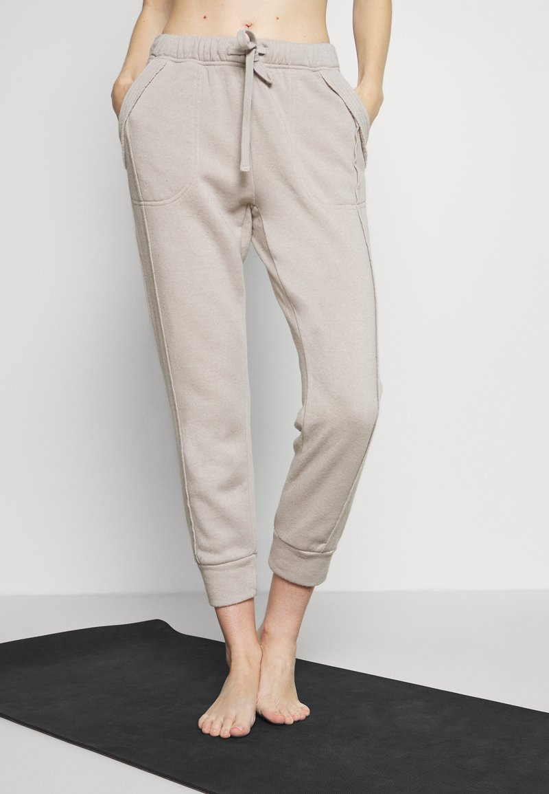 Free People - WORK IT OUT - Tracksuit bottoms - grey