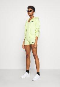 Nike Sportswear - INDIO  - Combinaison - limelight/black - 1