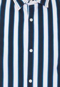 Jack & Jones - JJCHRIS - Camisa - classic blue - 6