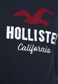 Hollister Co. - TERRY TECH CORE - Mikina s kapucí - navy - 5