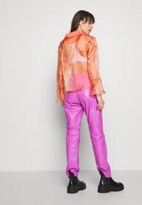 HOSBJERG - JASMINE - Button-down blouse - orange - 2