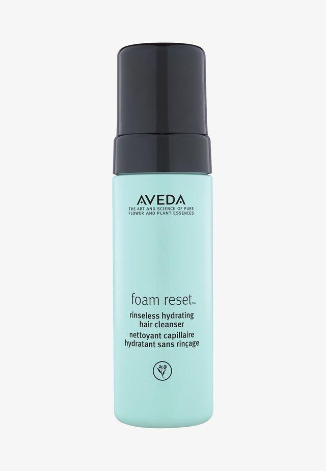 FOAM RESET NO-RINSE HYDRATING FOAM CLEANSER - Dry shampoo - -