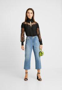 Fashion Union Petite - OLEUM FASHION UNION INSERT BLOUSE - Button-down blouse - black - 1