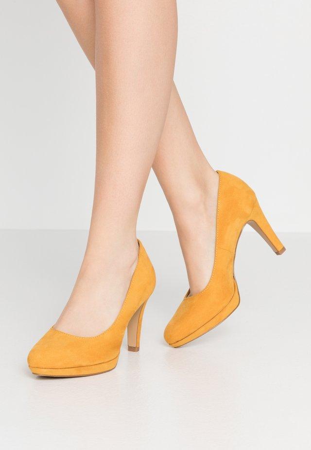 High Heel Pumps - saffron