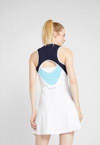 Lacoste Sport - TENNIS DRESS - Sportovní šaty - white/navy blue/haiti blue/lemon - 2
