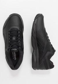 Reebok - WORK N CUSHION 4.0 - Sportieve wandelschoenen - black/cold grey - 1