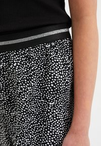 WE Fashion - Broek - all-over print - 2