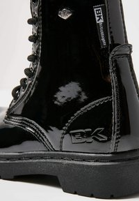 British Knights - SNEAKER BLAKE - Korte laarzen - black shiny - 5