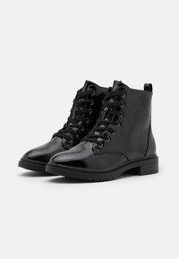 New Look Wide Fit - WIDE FIT DIGGER LACE UP - Šněrovací kotníkové boty - black - 2