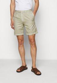 Boglioli - Shorts - beige - 0