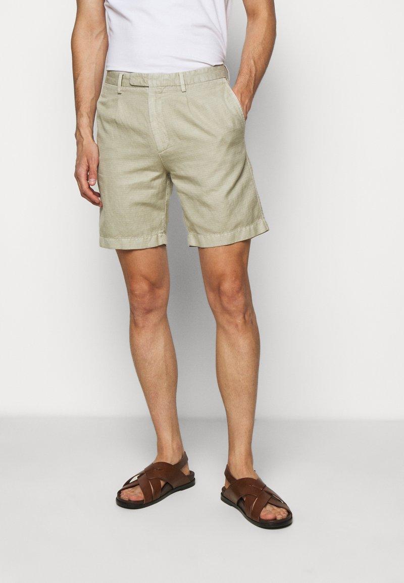 Boglioli - Shorts - beige