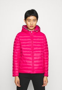 Tommy Hilfiger - ESSENTIAL - Doudoune - ruby jewel - 0
