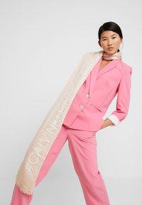 Calvin Klein - BIND SCARF - Sjaal - pink - 0
