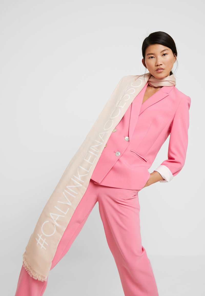 Calvin Klein - BIND SCARF - Sjaal - pink