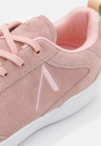 ARKK Copenhagen - VISUKLASS S-C18 UNISEX - Sneakers - misty rose/nude - 5