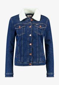 Tommy Jeans - REGULAR SHERPA JACKE - Kurtka jeansowa - mid blue - 4