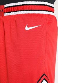 Nike Performance - CHICAGO BULLS NBA SWINGMAN SHORT ROAD - Short de sport - university red/white - 3