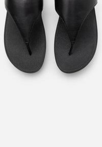 FitFlop - LULU - Sandaler m/ tåsplit - black - 5