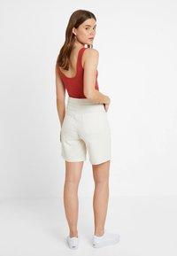 Monki - NAZIR - Denim shorts - offwhite - 2