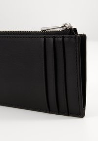 Michael Kors - ZIP WALLET - Wallet - black - 3