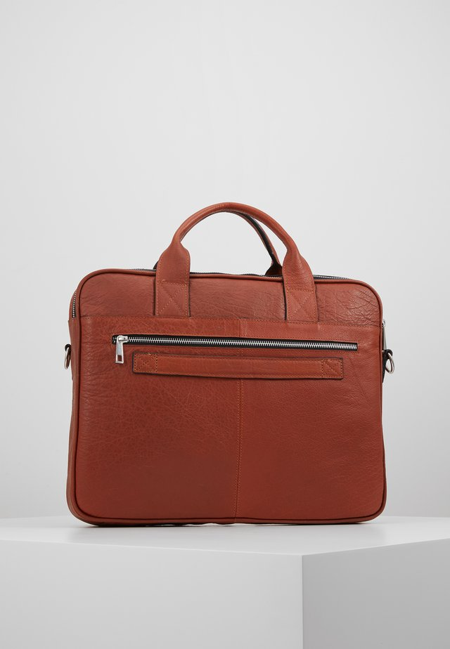 THOR BRIEF ROOM - Briefcase - cognac