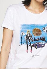 Patrizia Pepe - Print T-shirt - white - 5