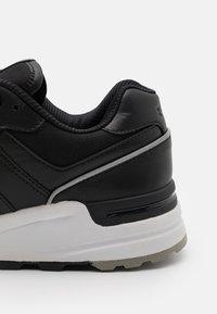 Polo Ralph Lauren - ACTIVE TRCKSTR PONY UNISEX - Sneakersy niskie - black - 5