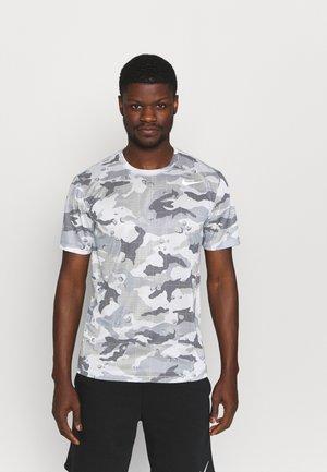 TEE CAMO - T-Shirt print - grey fog