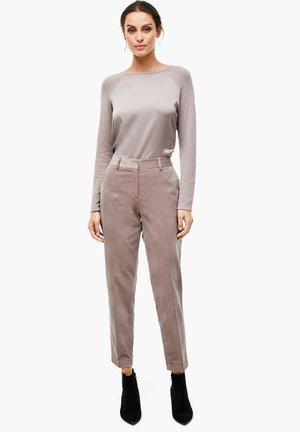 MIT SCHMUCK-DETAIL - Trousers - stone brown